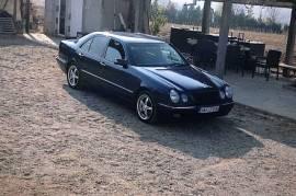 Mercedes w210 E220 cdi 2000 godina