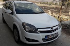 Opel Astra karavan 2011
