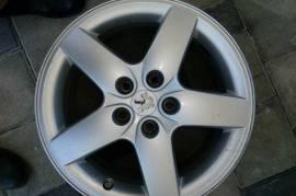 Alu felgi za Peugeot 4 komada