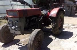 Traktor Massey Feguson 130