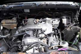 Motor za Mercedes w124 2.5 td neispraven