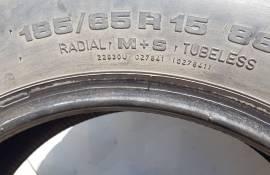Dve gumi Uniroyal 185/65/R15 m+s