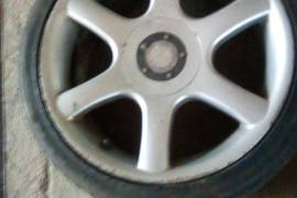 Gumi polovni so aluminiumski bandasi 215/40/17